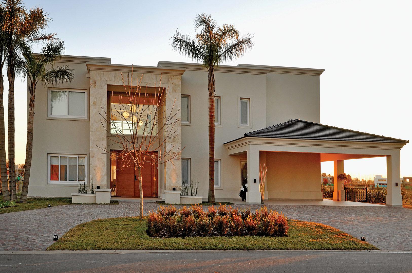 Arquitecto daniel tarr o y asociados casa est lo cl sico for Fachadas de casas estilo moderno