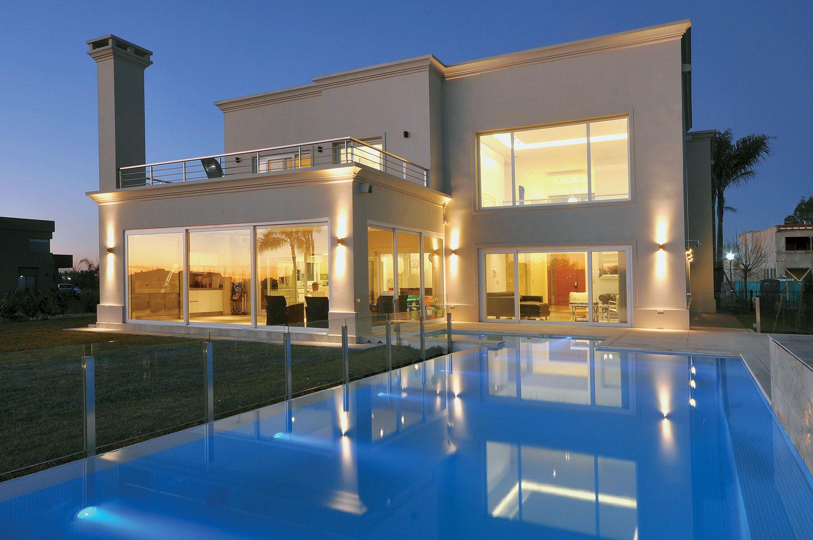 Arquitecto daniel tarr o y asociados casa est lo cl sico for Casas estilo clasico moderno