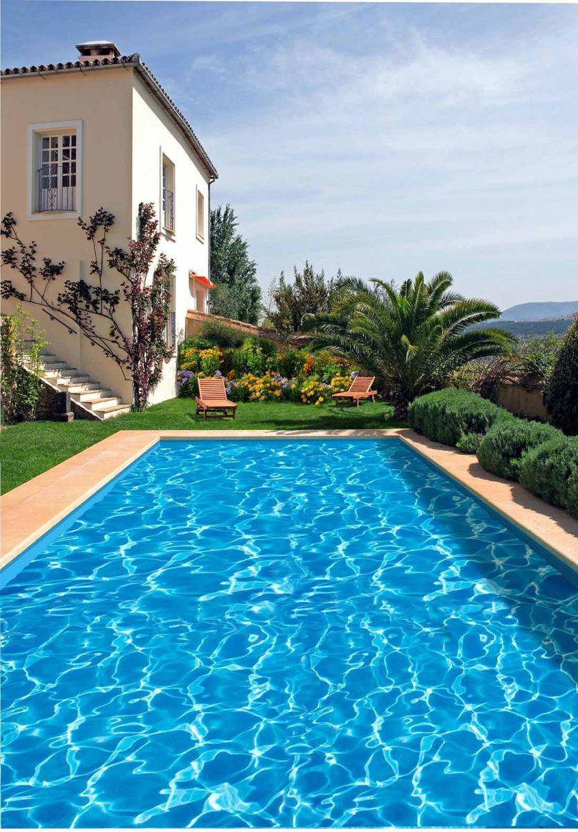 Recomendaciones para pintar piscinas portal de arquitectos for Materiales para piscinas