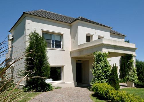Vidal bianchi arquitectura casa estilo cl sico moderno for Casas estilo clasico moderno