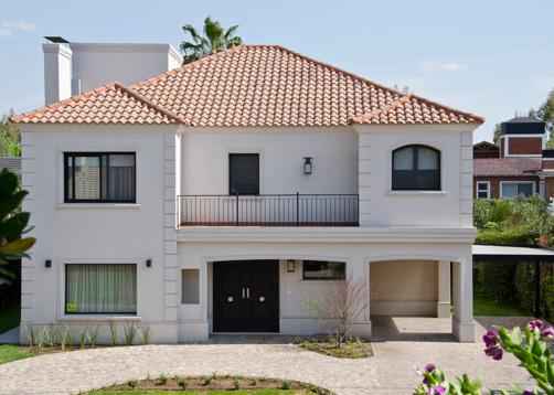 Fachadas de casas modernas renovamos casas clasicas for Casas modernas clasicas