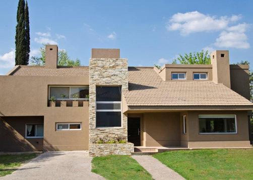 Estudio vidal bianchi arquitectura casa estilo cl sico for Casas estilo clasico moderno