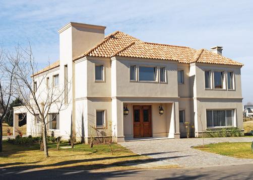 Imagen entra able for Casas modernas clasicas