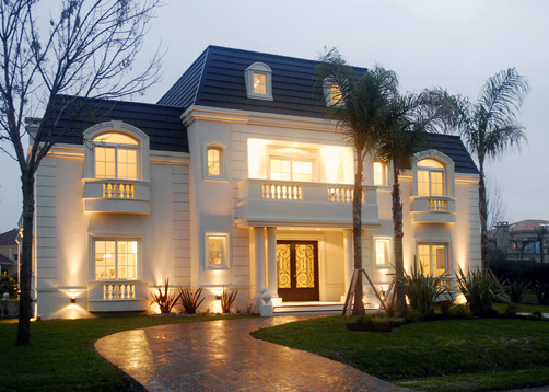 Alberici construcciones estudio de arquitectos casa for Casas modernas clasicas
