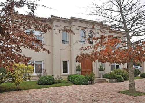 Vaccarezza tenesini angelone arquitectos casa estilo - Casas de estilo italiano ...