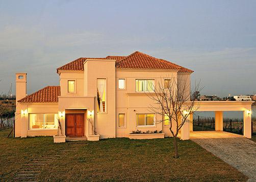 Arquinova casas fredi llosa casa estilo cl sico - Casas de estilo italiano ...