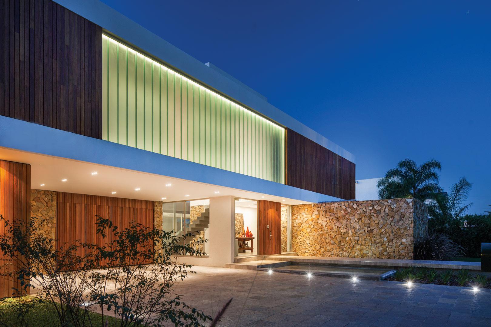 Galeria fotos oon architecture casa racionalista for Arquitectos para casas