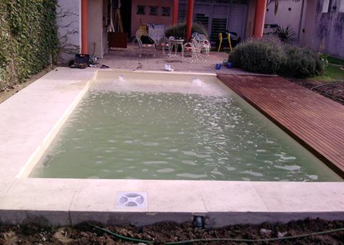 Piscina familiar portal de arquitectos for Solados para piscinas