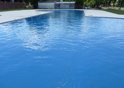 Piscina club house cissab portal de arquitectos for Solados para piscinas