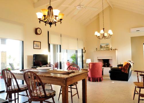 Marcela parrado arquitectura casa estilo cl sico campo for Decoracion clasica moderna interiores