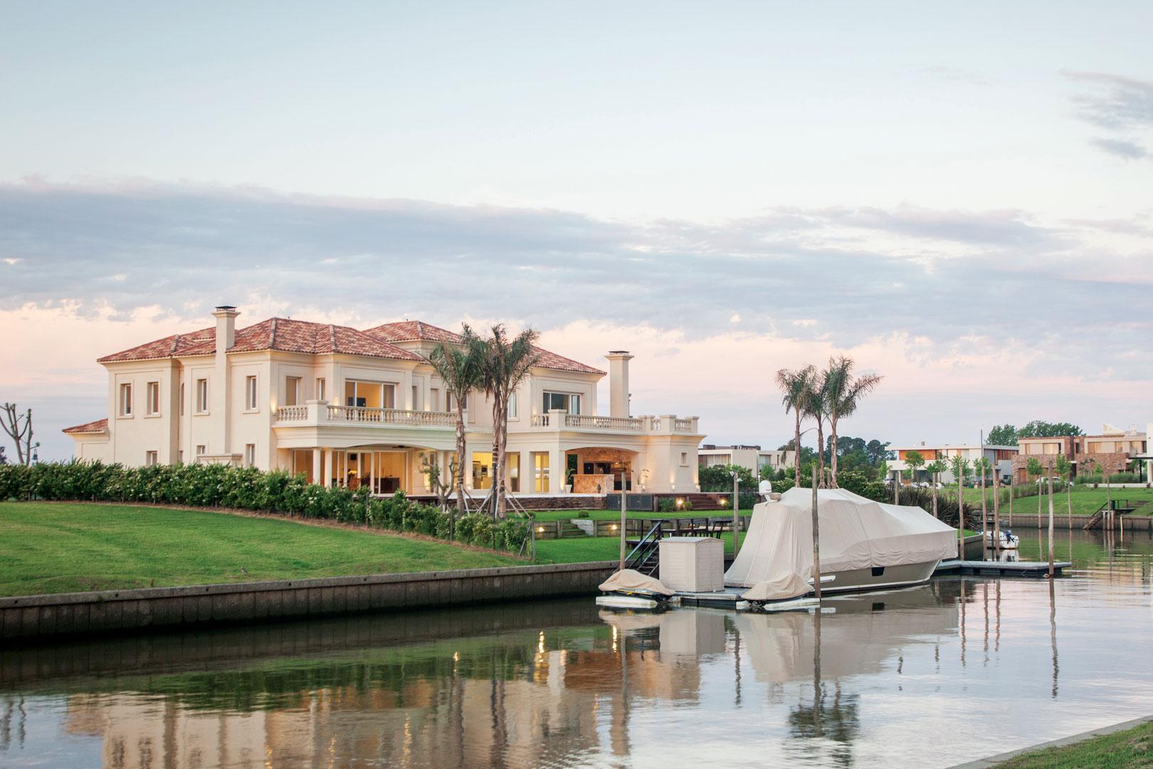 Apa arquitectura casa estilo italiano aggiornado for Casa clasica country