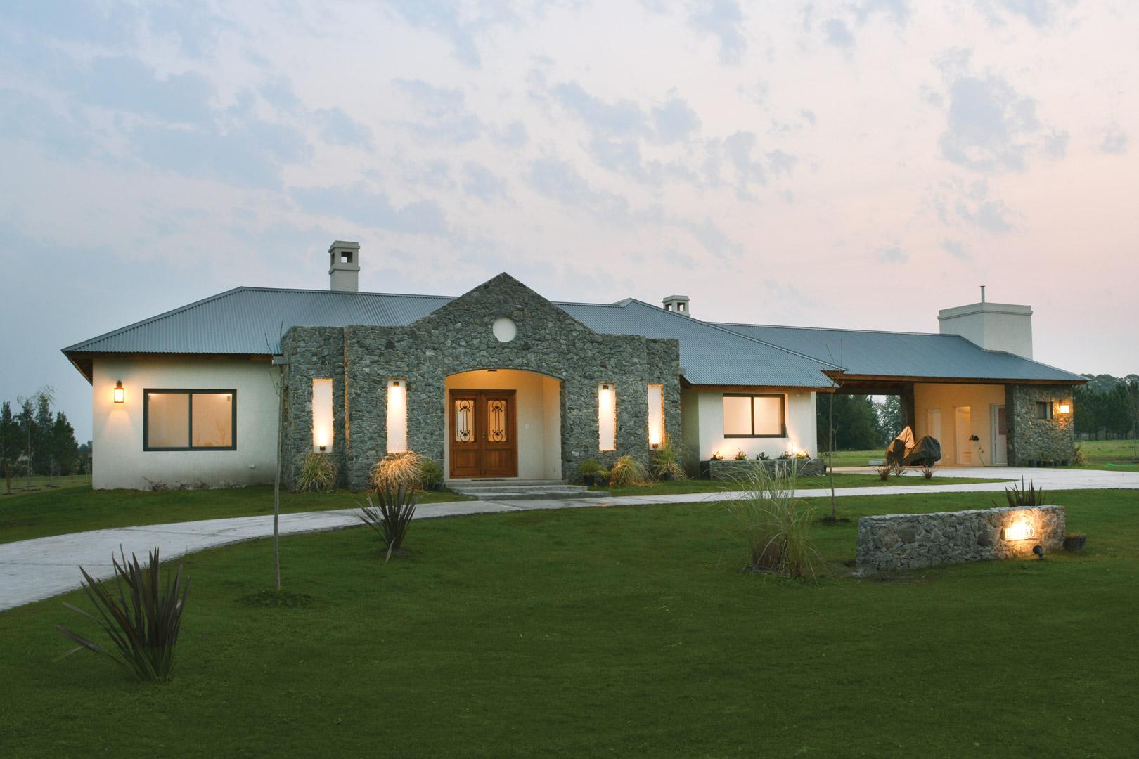 Arquinova casas fredi llosa estilo campo arquitecto - Casas de estilo italiano ...