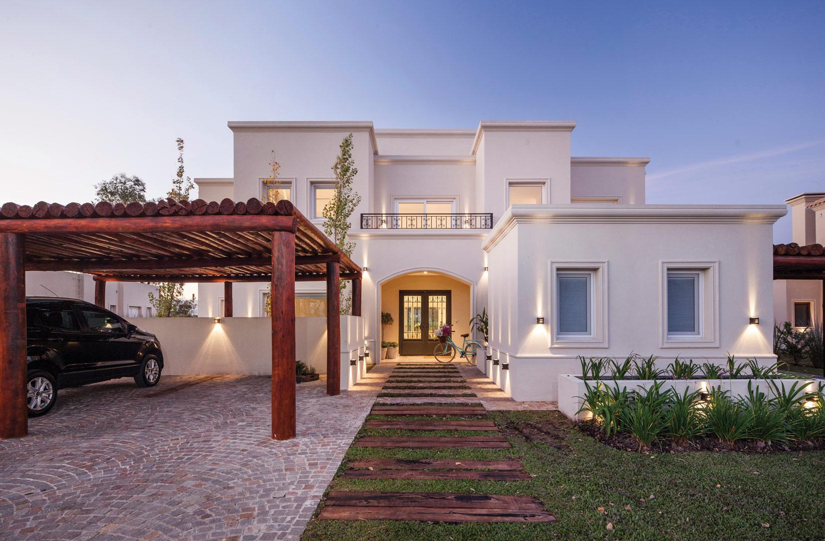 Arquitecto daniel tarr o y asociados casa estilo clasico for Casas clasicas modernas