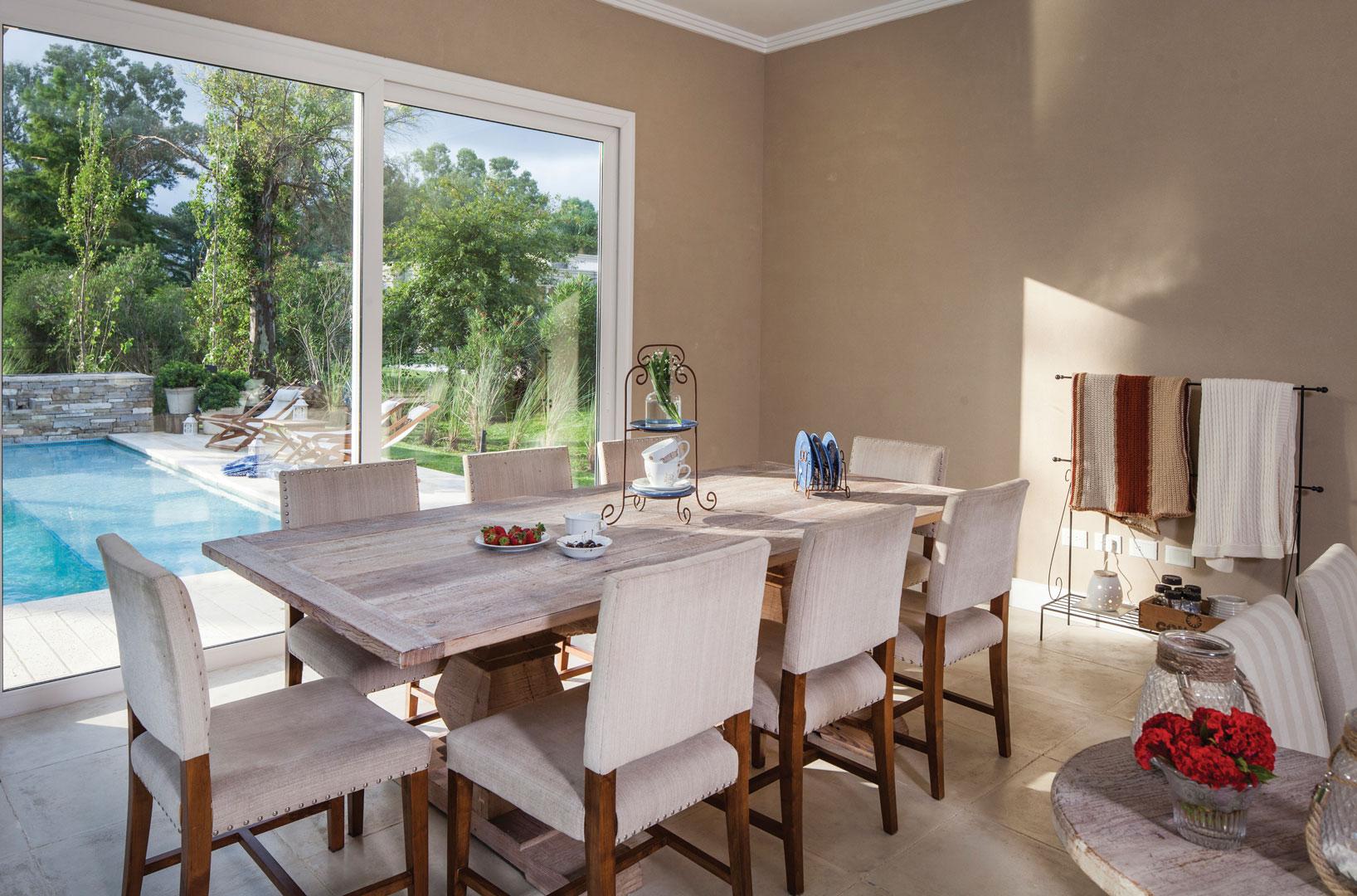 Arquitecto daniel tarr o y asociados casa estilo cl sico for Casa clasica country