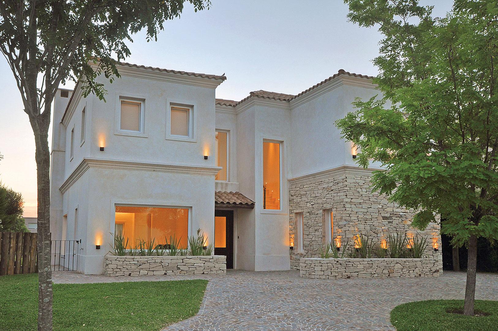 Arquitecto daniel tarr o y asociados casa estilo actual for Arquitectos y sus obras