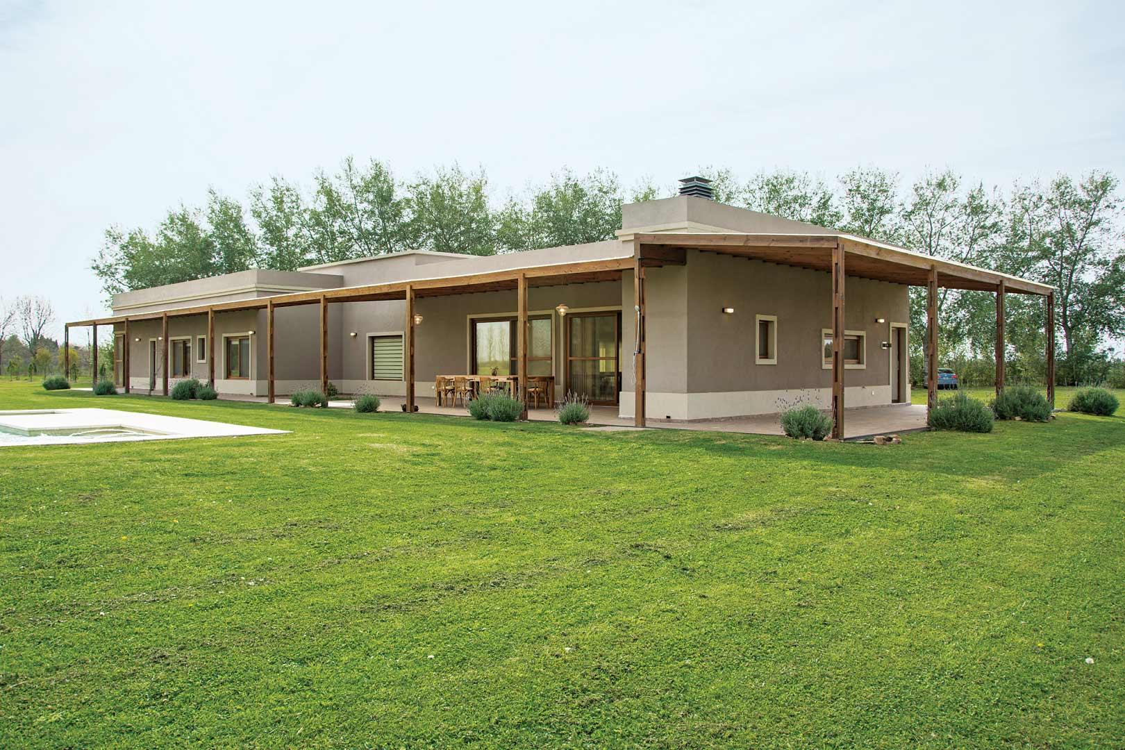 Casarella casa estilo campo moderno portal de arquitectos for Portal de arquitectos casa de campo