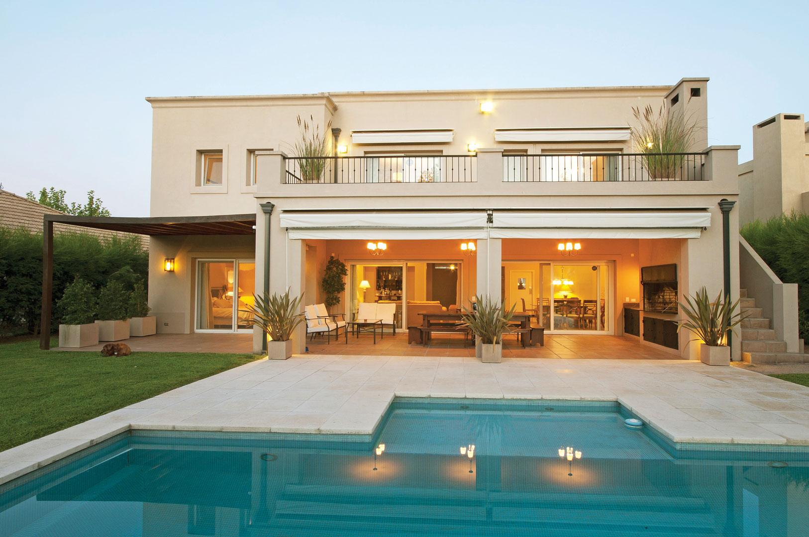 Estudio clari arquitectura casa estilo actual portal for Casa de arquitectos