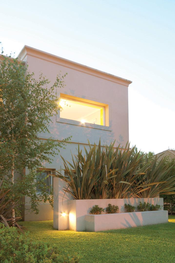 Estudio clari arquitectura casa estilo actual portal for Estudios de arquitectura famosos