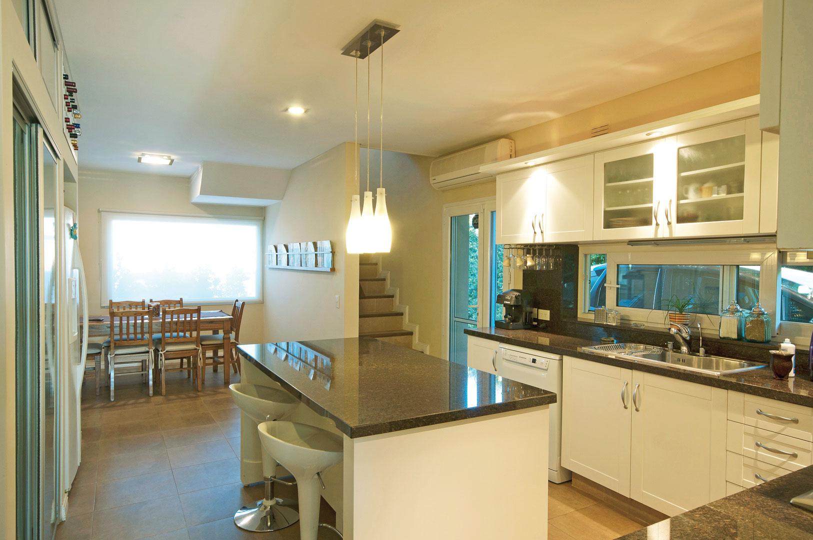 Estudio clari arquitectura casa estilo actual portal - Estudio de arquitectos ...