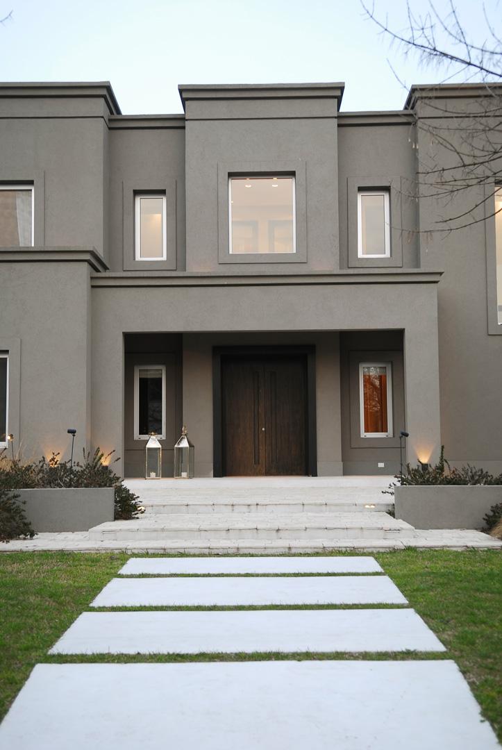 Francisco marconi arquitectos asociados casa estilo - Fachadas de casas tradicionales de un piso ...