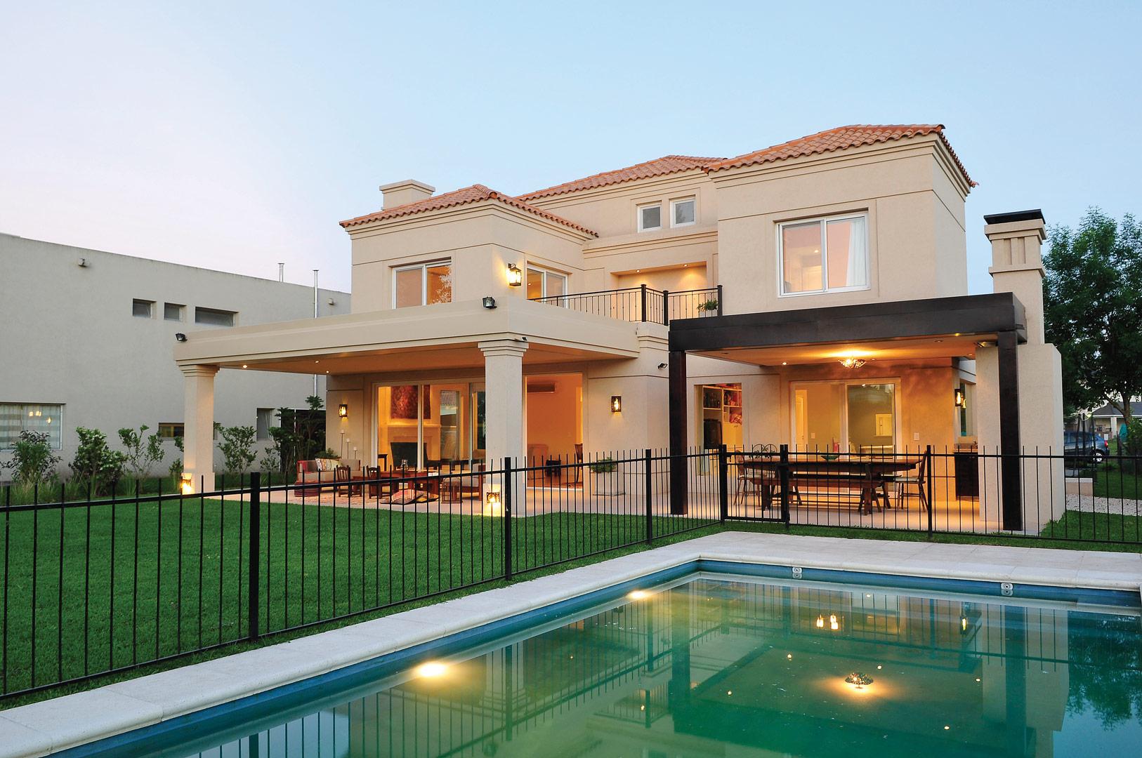 Junor arquitectos casa estilo clasica italiano portal - Casas con estilo ...