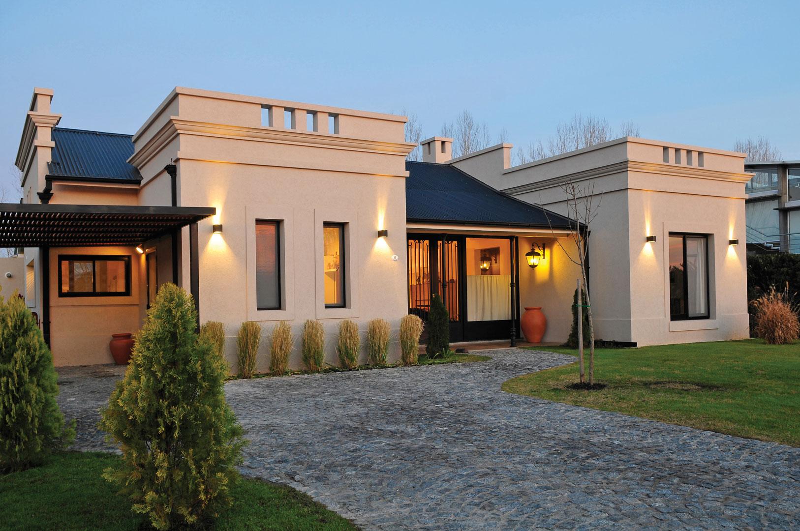 Marcela parrado arquitectura casa estilo cl sico campo for Estudio de arquitectura en ingles