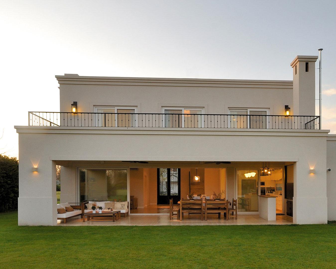 Marcela parrado casa estilo actual c sico arquitecto for Portal de arquitectos casa de campo