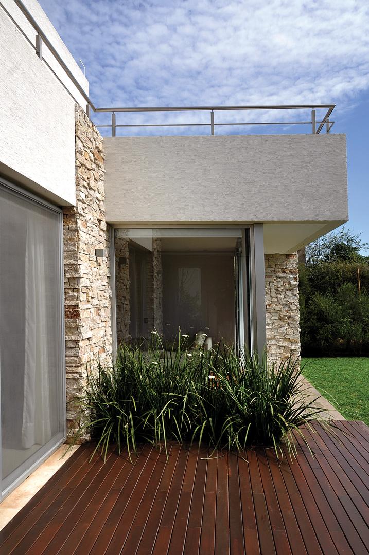 Estudio ploa arquitectos casa 1b portal de arquitectos - Estudio de arquitectos ...