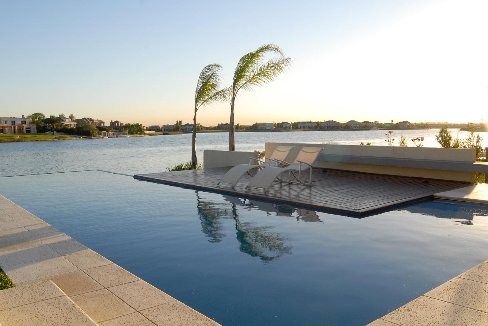 Ram rez arquitectura casa estilo racionalista portal de for Construccion de piscinas en uruguay