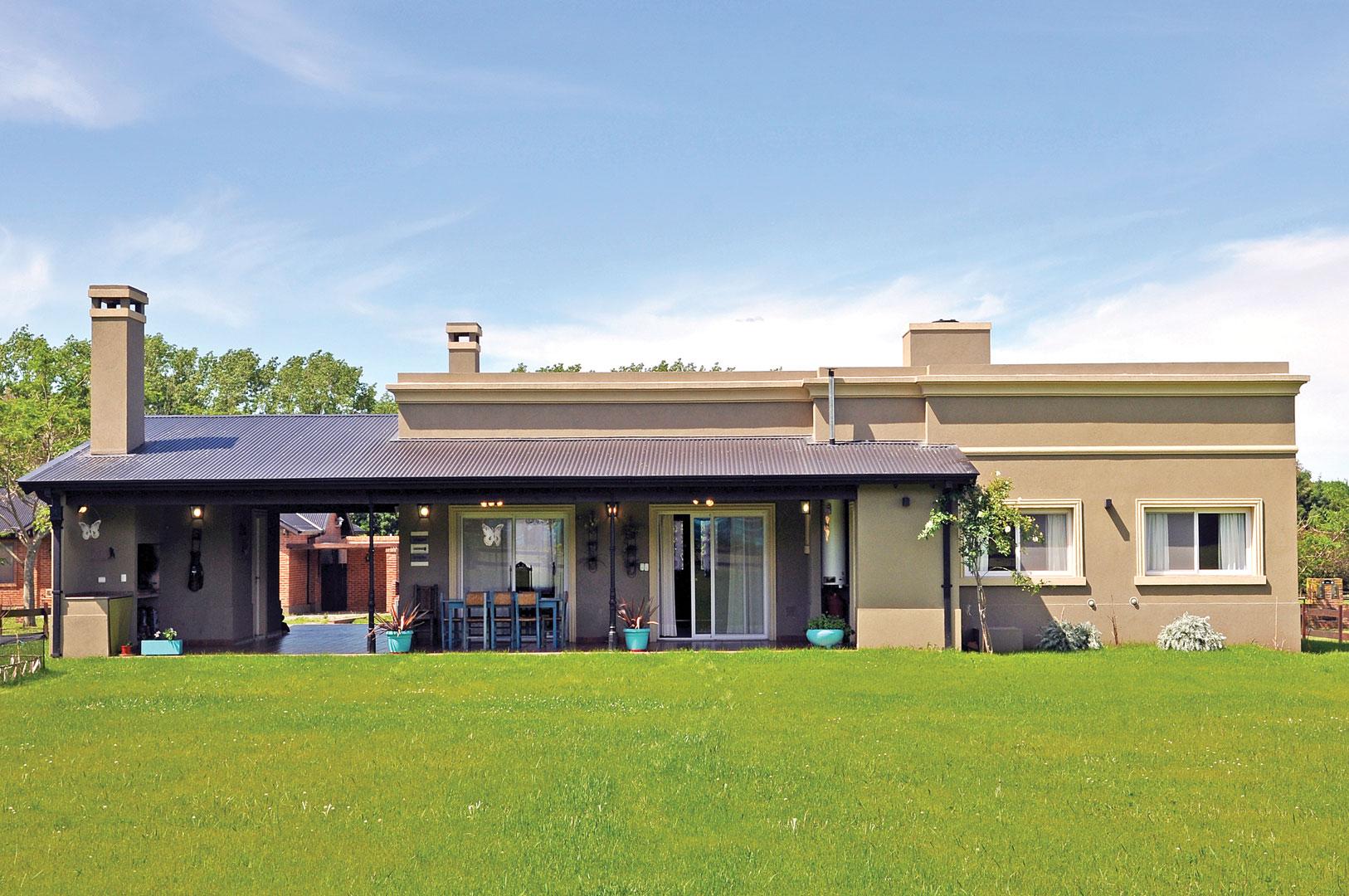 Seratti y saviotti arquitectos casa 7 campo portal for Casa moderna 80m2